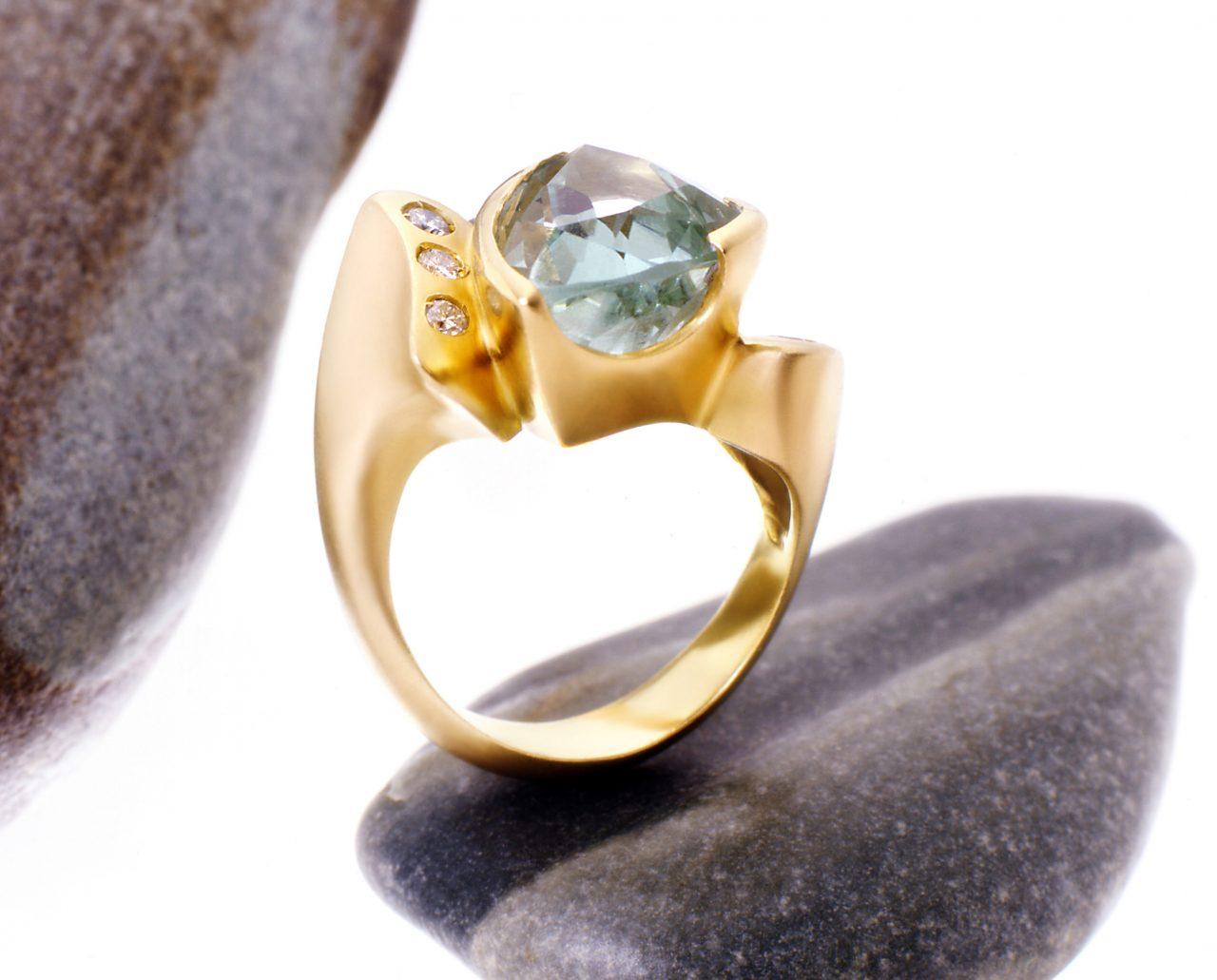 foto di anello in berillio