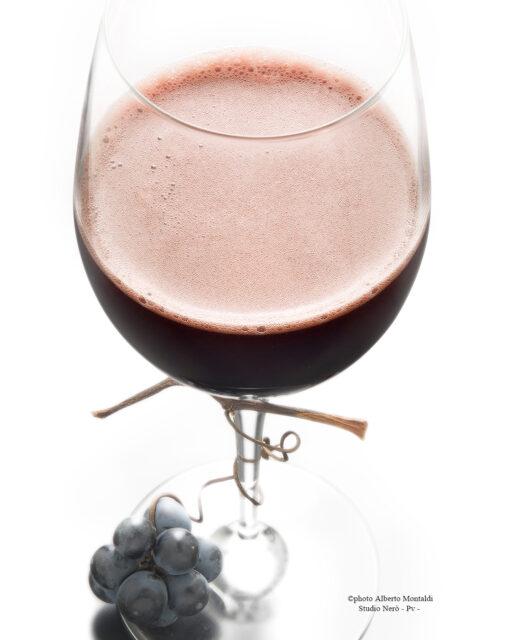 Bicchiere Vino Rosso frizzante con grappolino